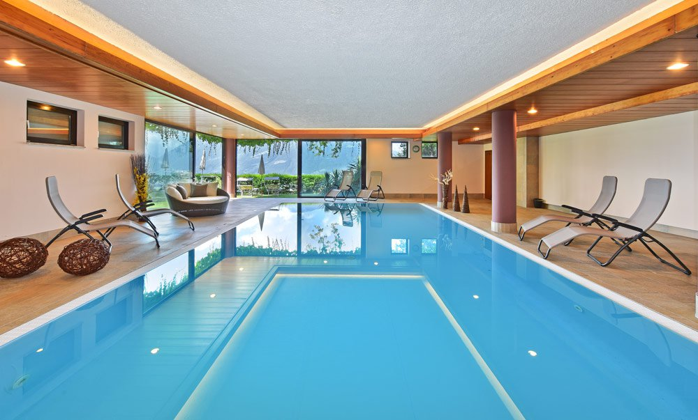 Indoor pool for daily refreshment